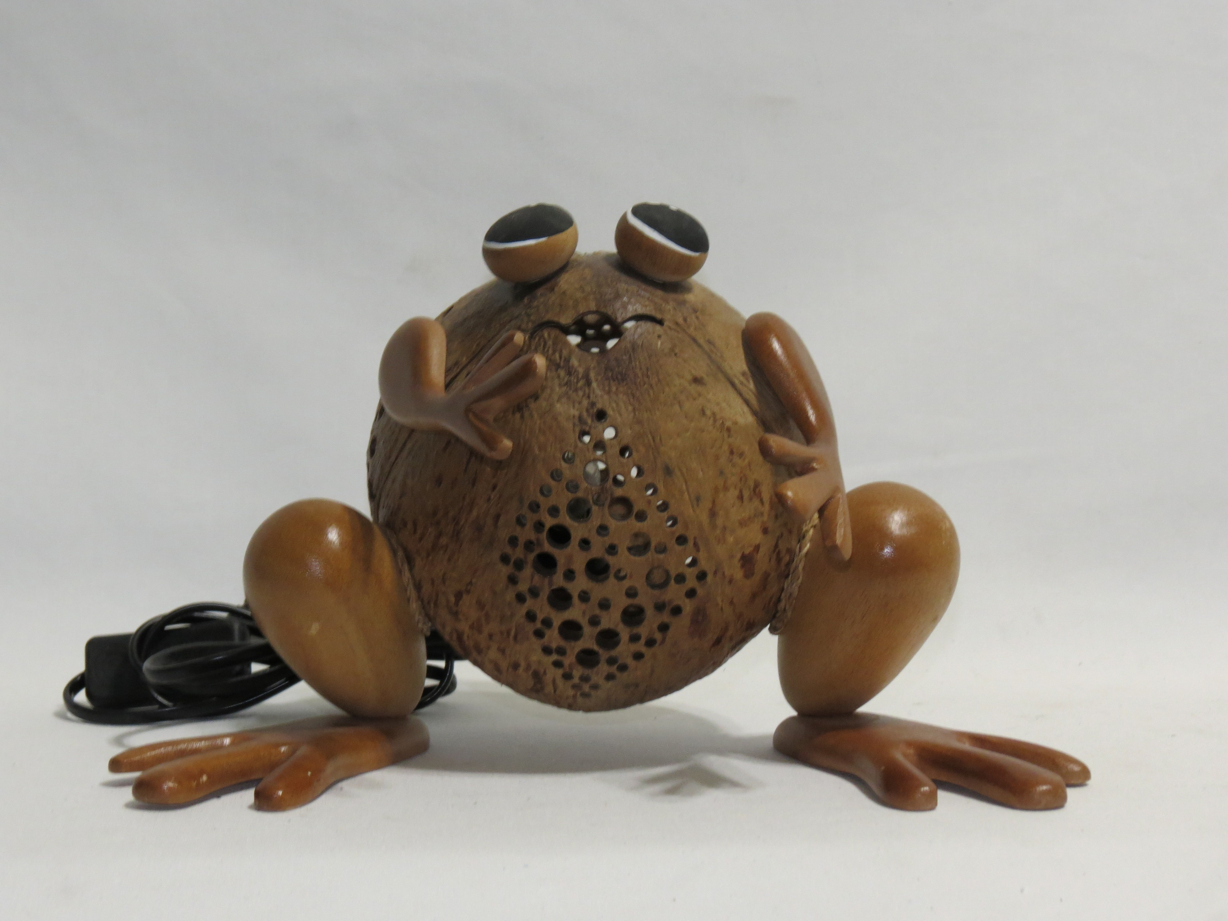 Lamp, COCONUT SHELL (FROG)